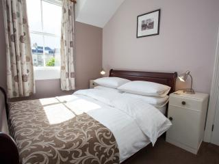 Cozy 2 bedroom House in Bath with Internet Access - Bath vacation rentals