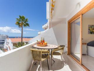 Playa de Las Americas Excellent One Bed Apartment - San Eugenio vacation rentals