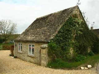 Swinbrook Cottage, near Burford - Cotswolds! - Swinbrook vacation rentals