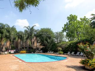 Nice Condo with Deck and Internet Access - Houston vacation rentals