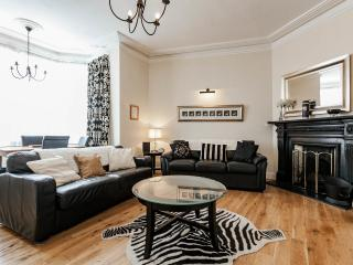 "The ""Michael Collins"" apartment, historic Dublin. - Dublin vacation rentals"