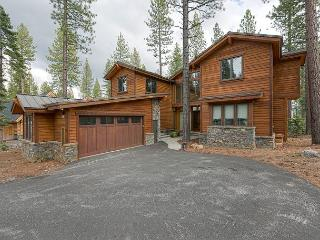 NEW LISTING - Gorgeous 4 BR 4.5 Bath Home in Schaffer's Mill - Truckee vacation rentals