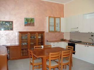 Gorgeous 2 bedroom Mazara del Vallo Apartment with Microwave - Mazara del Vallo vacation rentals