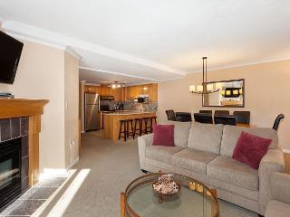 Woodrun Lodge #302 | Whistler Platinum | Ski-In/Ski-Out Condo, Shared Hot Tub - Whistler vacation rentals