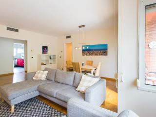 Relaxing Barcelona - Beach/center family apartment touristic license HUTB-006631 - Barcelona vacation rentals