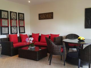 Oasis Pool Villa con Jacuzzi per 4 persone - Rayong vacation rentals