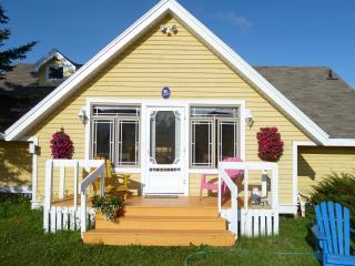 Beautiful Waterfront 3-bedroom Beachhouse - Stanley Bridge vacation rentals