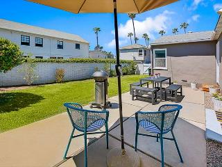 Charming House - AIR Conditioning, Large Yard -Walk to Beach & Restaurants - Corona del Mar vacation rentals