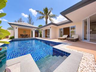 Peaceful & private 2bed Villa with its own pool - Lipa Noi vacation rentals