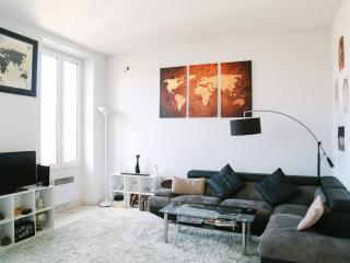 Beautiful 2 Bedroom Apartment Cannes Film Festival - Cannes vacation rentals