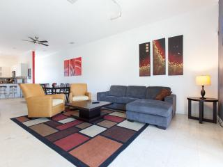 South Beach Chic /  Steps from the Sand! * Brezia - Miami Beach vacation rentals