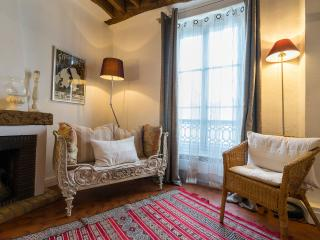 Vacation Rental with Authentic Parisian Charm and Designer Style - Paris vacation rentals
