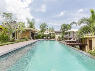 Rustic Luxury - Secluded but central - Sayan vacation rentals