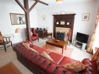 Romantic 1 bedroom Cottage in Ambleside with Internet Access - Ambleside vacation rentals