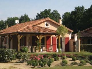 Comfortable 3 bedroom House in Deux-Sevres with Dishwasher - Deux-Sevres vacation rentals