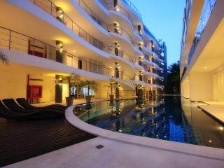 Cozy Condo with Internet Access and A/C - Karon Beach vacation rentals