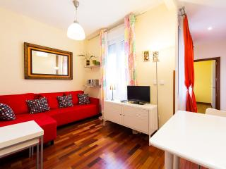 Cozy Budget Apartment in Best Area Chueca-Gran Via - Madrid vacation rentals