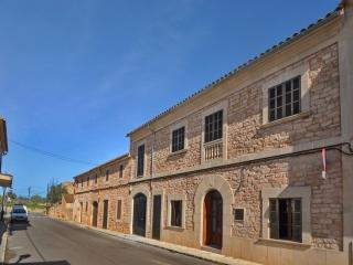 Lovely Es Llombards House rental with A/C - Es Llombards vacation rentals