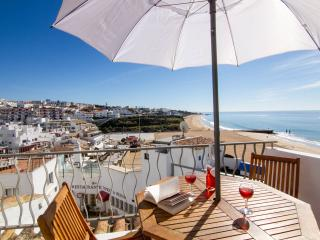 Albufeira,on top of Fisherman Beach- Casa T'Isabel - Albufeira vacation rentals