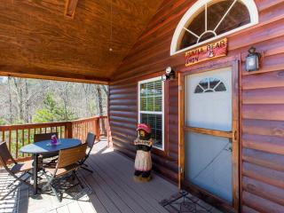 Mama Bear-Beautiful cabin minutes to Pigeon Forge - Sevierville vacation rentals