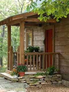 Cloudland, GA. East Brow True hand-hewn log cabin - Menlo vacation rentals