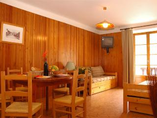 Apt. with balcony, 3* - 1st floor - Lanslebourg Mont Cenis vacation rentals
