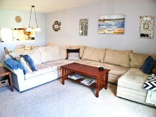 Townhouse with staight staircase, close to pool, 3 A/C's, Wi-Fi & 6 pool passess (fees apply) - TR0624 - Brewster vacation rentals