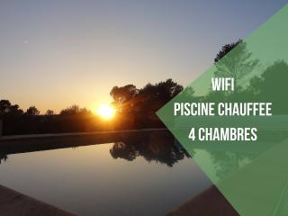 Villa with heated pool and a nice view and sunset - Cotignac vacation rentals