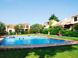 Nice House with Washing Machine and Shared Outdoor Pool - L'Estartit vacation rentals