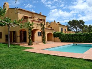 Cozy 3 bedroom Villa in Torroella de Montgri with Washing Machine - Torroella de Montgri vacation rentals