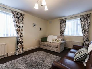 2 bedroom Bungalow with Internet Access in Dublin - Dublin vacation rentals