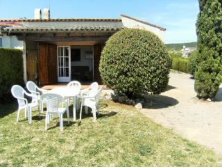 Nice House with Shared Outdoor Pool and Television - L'Estartit vacation rentals