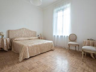 In an elegant home 1 km from Verona centre - Verona vacation rentals