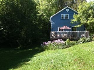 Cozy House with A/C and Microwave - Meaford vacation rentals