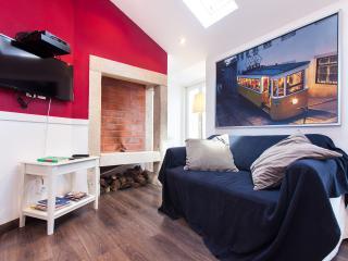 Cozy Condo with Internet Access and A/C - Lisbon vacation rentals
