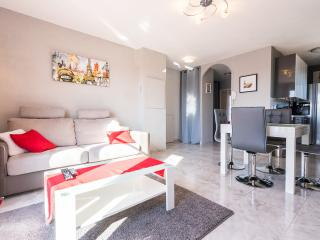 2 bedroomed apartment near Disneyland Paris - Bailly-Romainvilliers vacation rentals