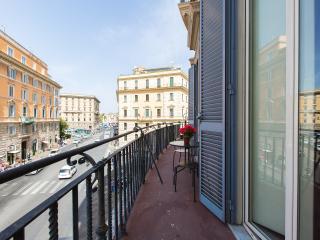 Balcony Vatican & Castel Sant'Angelo - Rome vacation rentals