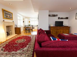 Kensington Chapel Apartment - Bath vacation rentals