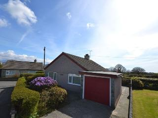 Nice 2 bedroom House in Brynsiencyn with Parking - Brynsiencyn vacation rentals