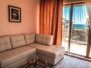 BOR Apartments / Long Beach Resort - Shkorpilovtsi vacation rentals