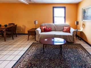 Lovely Mountaintop Retreat 10 Minutes to Downtown - Asheville vacation rentals