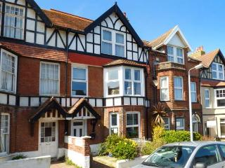 BON VISTA, sea views, en-suites, WiFi, off-road parking, Cromer, Ref 936290 - Cromer vacation rentals