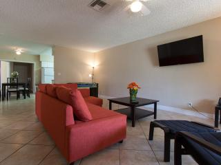 NEW 6B| HUGE | Quiet| Modern | 5 min to the beach! - Fort Lauderdale vacation rentals