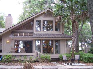Vacation rentals in Saint Helena Island
