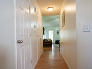 Gated Townhome, New Mattresses/TV - North Charleston vacation rentals