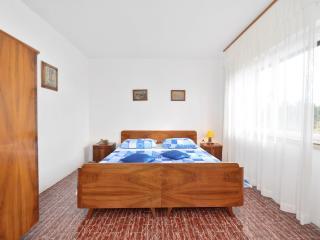 TH01506 Apartments Lučić / Two Bedrooms A1 - Sumartin vacation rentals