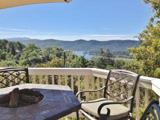 New Listing! Marvelous 3BR Lake Arrowhead House w/Wifi, Spacious Deck & Phenomenal Views! Outstanding Location - Minutes from the Lake, Recreation, Shopping, Restaurants & More! - Lake Arrowhead vacation rentals