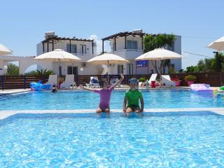 Child-baby friendly apartments in Crete - Stavros vacation rentals