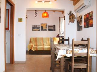Holiday House Sella 2° Piano - Castellammare del Golfo vacation rentals