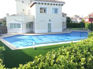 Villa Madrano - 4 bedroom with heated pool - Torre-Pacheco vacation rentals